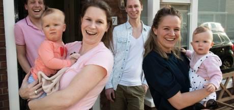 Buren, vrienden en pás moeder, de baby's van Nienke en Marthe schelen 7 weken: 'Ze groeien met elkaar op'