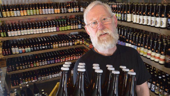 Jan Kraan brouwt zelf bier, in de brouwerij achter zijn winkel. Zijn Kraanwater is op de tap en in de fles te koop bij verschillende cafés en restaurants in de regio.