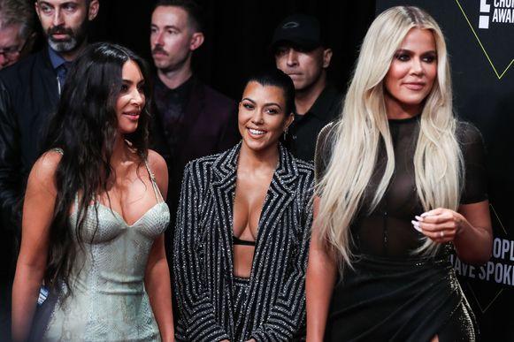 Kim, Kourtney en Khloé Kardashian.