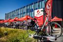 De fietsliefhebbers kunnen bij de Stella fabrieken het experience-center hun fiets  testen, waarna hij achterop de drager mee kan worden genomen naar huis.