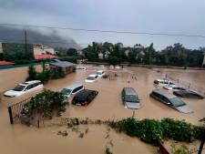 Le bilan des inondations et des glissements de terrain s'alourdit en Inde (85 morts) et au Népal (31 morts)