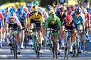 Sagan, Van Aert, Bennett en Ewan zij aan zij tijdens een sprint in de Ronde van Frankrijk.