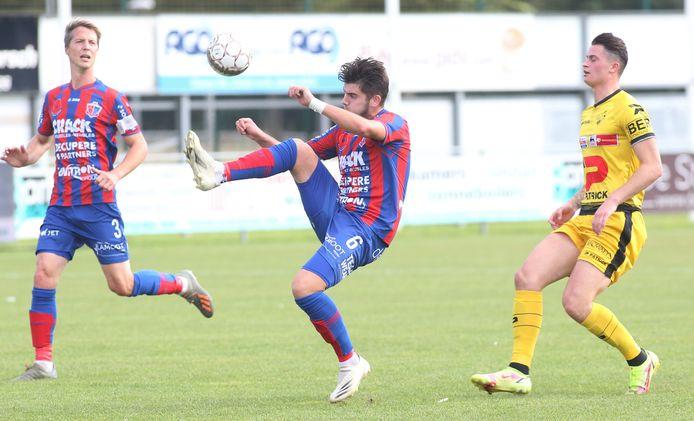 centrale verdediger Valentin Mahieu opende de score