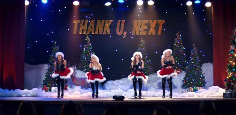 Screenshot videoclip 'Thank U, Next' van Ariana Grande.