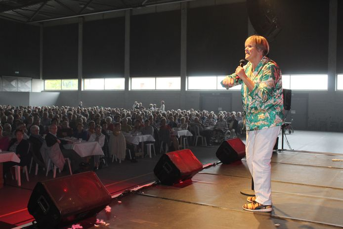 In 2019 stond Margriet Hermans nog voor een bomvol Sportpark in Aalter.