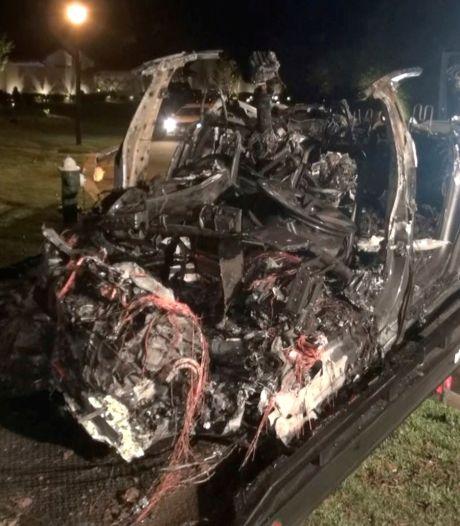 """Elon Musk après l'accident mortel d'une Tesla apparemment sans conducteur: """"Le pilote automatique était désactivé"""""""