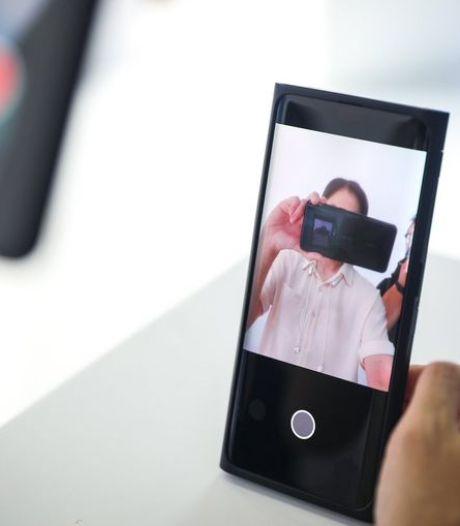 Oppo onthult 's werelds eerste 'onzichtbare' selfiecamera