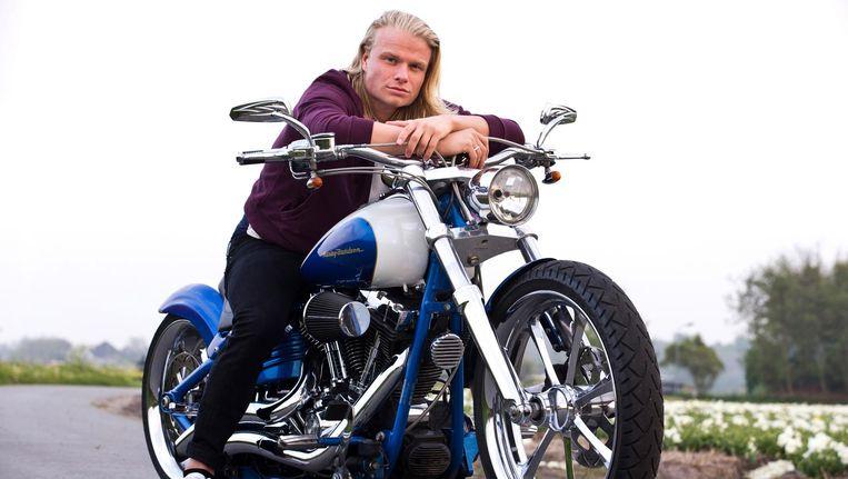 Koen Verweij met zijn custom Harley Davidson. Beeld Hollandse Hoogte