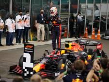 Dominante Verstappen laat met zijn tiende zege Mercedessen kansloos in Abu Dhabi