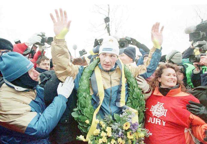 Henk Angenent na zijn overwinning in 1997.