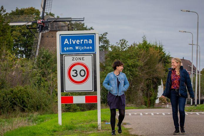 Marjolein Thijssen (links) en Linda Dauwerse onderzoeken hoe Alverna dementievriendelijk gemaakt kan worden.