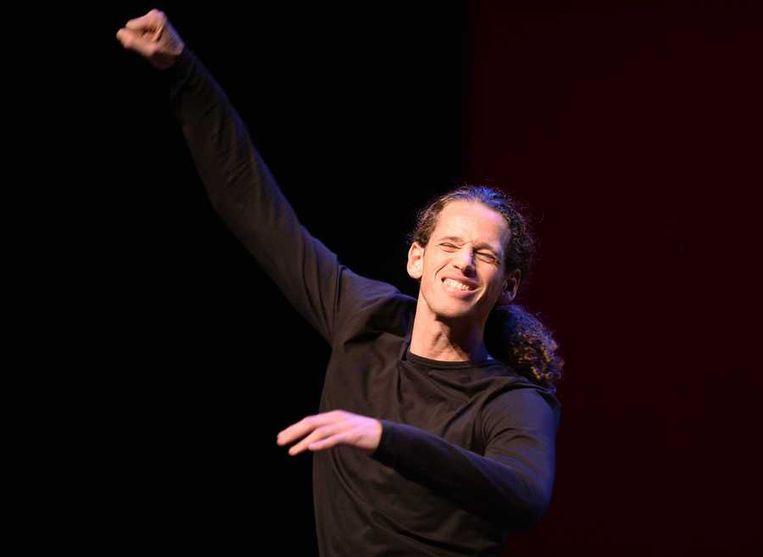 Cabaretier Patrick Laureij wint in het Nieuwe Luxor Theater de finale van het cabaretfestival Cameretten. Beeld null