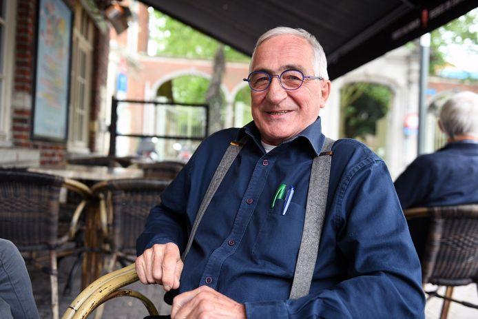 Frans Goris heeft er bijna 40 jaar als cafébaas opzitten en denkt stilaan aan zijn pensioen, al is stilzitten niet bepaald zijn favoriete bezigheid.