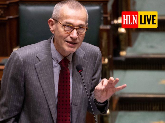 Minister van Volksgezondheid Frank Vandenbroucke (sp.a) in de Kamer.