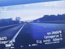 Opmerkelijk tafereel op de snelweg: bestuurder wisselt van plek tijdens het rijden