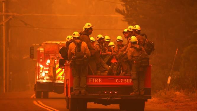 Duizenden mensen op de vlucht voor bosbrand in populaire toeristenplaats Californië