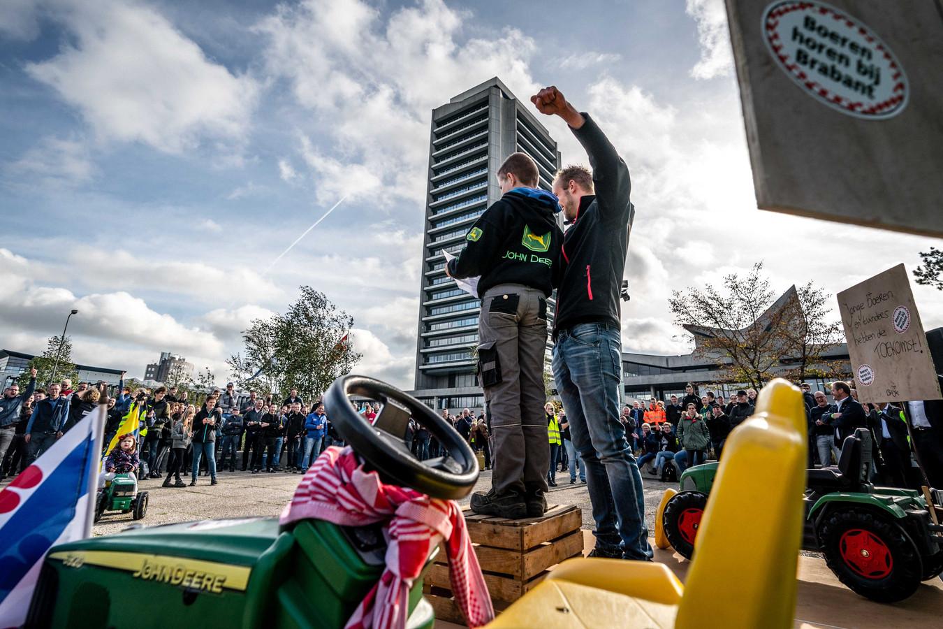 Eind oktober protesteerden Brabantse boeren ook al voor de provincietoren in Den Bosch.