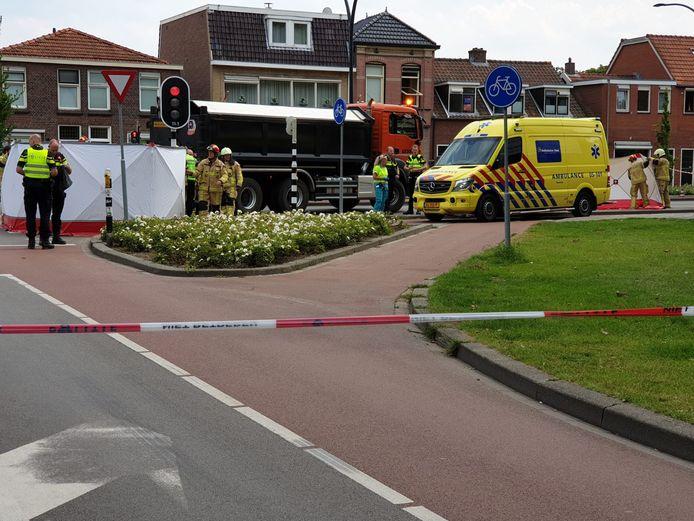 VERGOED ONLINE Op de Drienerstraat in Hengelo vond een ernstige aanrijding plaats.