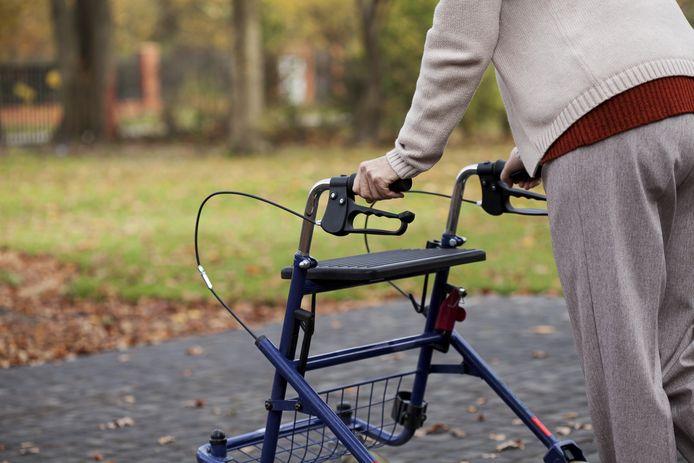 Ouderen moeten steeds langer zelfstandig thuis wonen.