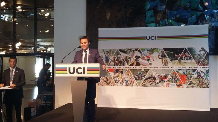 UCI-voorzitter Lappartient kent het WK 2021 toe aan Vlaanderen. Beeld MG