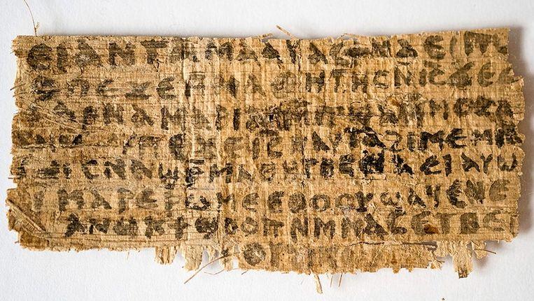 De papyrussnipper met de koptische tekst die onlangs werd ontdekt Beeld AFP