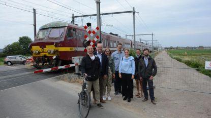 Fietssnelweg langs spoorlijn tegen september