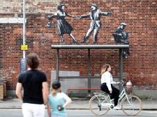 Banksy le confirme en vidéo: il est à l'origine d'une série d'œuvres d'art sur la côte britannique