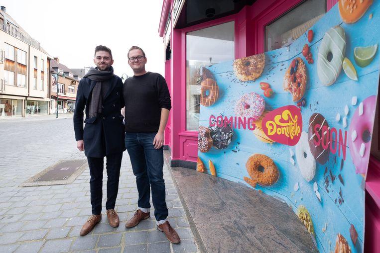 Laurence en Maxim Daems openen Donutello in de Bergstraat