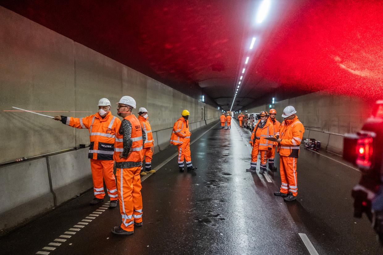 De tunnel gaat vanaf vandaag 9 maanden lang elke avond om 22.00 uur dicht en de volgende ochtend om 06.00 uur weer open.  Beeld Joris van Gennip
