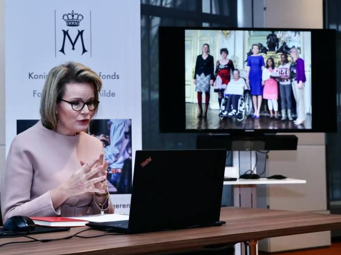 """Onze reporter interviewt koningin Mathilde: """"Kerstmis? Dat vieren wij zoals alle Belgen, met respect voor de maatregelen"""""""