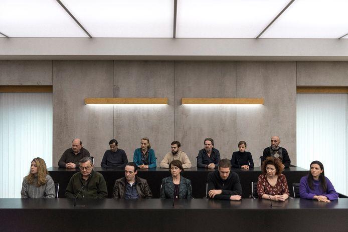 Een beeld uit de Eén-serie 'De Twaalf', waarin de volksjury bij een assisenzaak een prominente rol speelde.