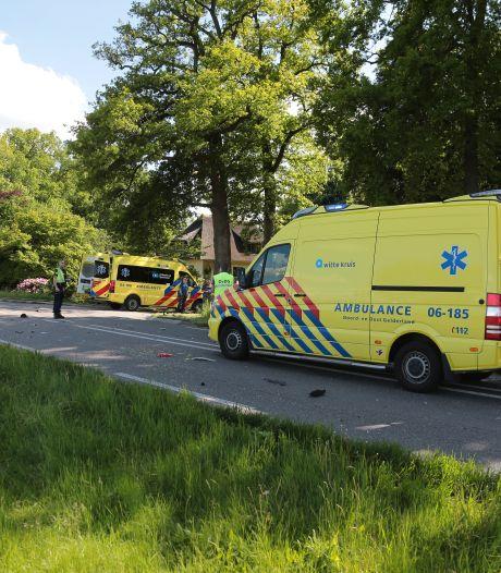 Snorfietser (19) overlijdt na botsing met auto bij Wezep