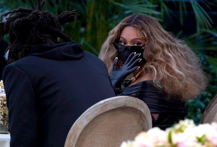 Een gemaskerde Beyoncé.