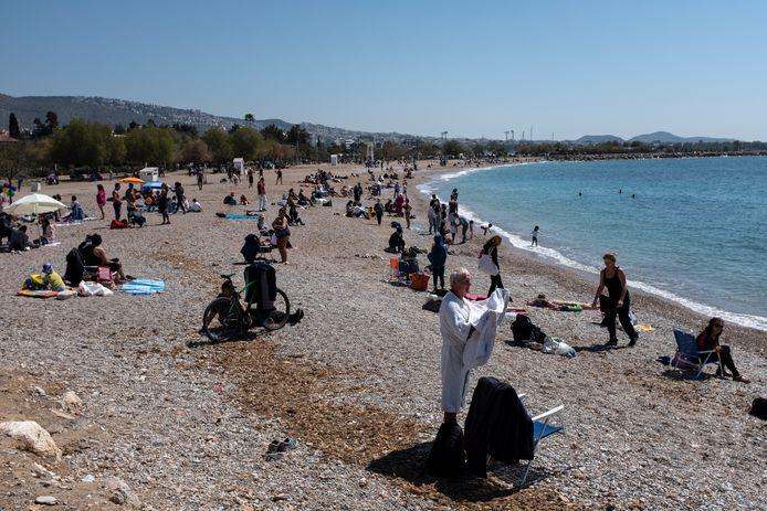 Een Grieks strand in de buurt van Athene.