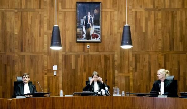Hof: Nederland aansprakelijk voor dood van 350 moslimmannen Srebrenica