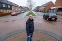 Hendrik Nagelhoud zet zich met de buurt in om weg De Hagen in Oldebroek veiliger te maken.