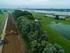 Noodverband voor door werkzaamheden verzwakte Waaldijk tussen Waardenburg en Gorinchem