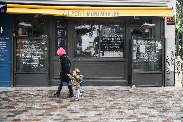 De Parijse straten zijn stil.  Beeld EPA