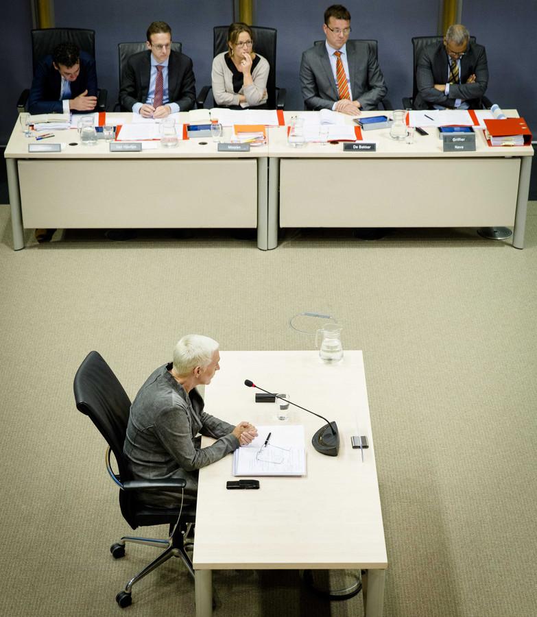 Staatssecretaris Wilma Mansveld van Infrastructuur en Milieu in juni voor de parlementaire enquêtecommissie Fyra.