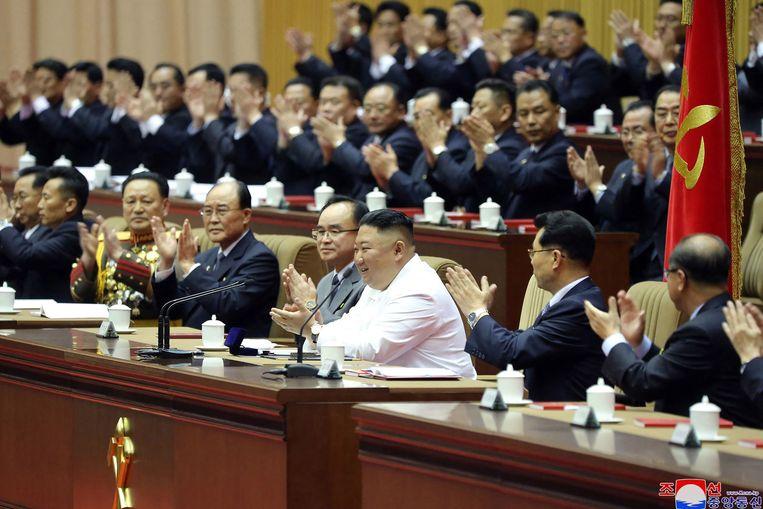 Kim Jong-un sprak donderdag tijdens een congres van de Koreaanse Arbeiderspartij. Beeld AFP