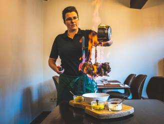 """Tine en Wouter zorgen voor spektakel in nieuw restaurant: """"De Goeiendag flamberen we ter plekke aan tafel"""""""
