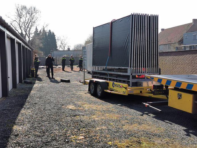 Nieuw onderzoek rondom de moord op Ichelle van de Velde. Nu bij de garagebox van de verdachte in Aardenburg.
