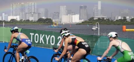 Tyfoon, regenboog over de Rainbow Bridge en een fraaie vierde plaats voor Rachel Klamer bij triatlon