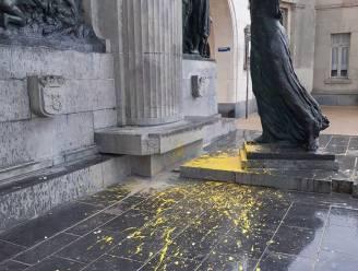 Verdachte die standbeeld Leopold II bekladde met gele verf, opgepakt door politie
