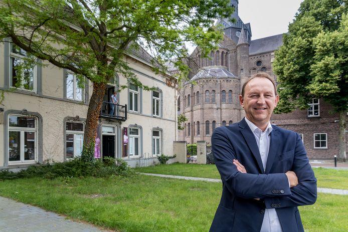 Vughtenaar Wim Boers van Kadans Vastgoed kocht ruim twee jaar geleden de rijksmonumentale villa Bleijenburg. Na de bouwvak start de restauratie.