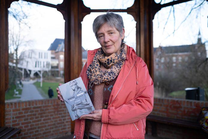 Els Coenen met haar boek Bewind vs Bemind.
