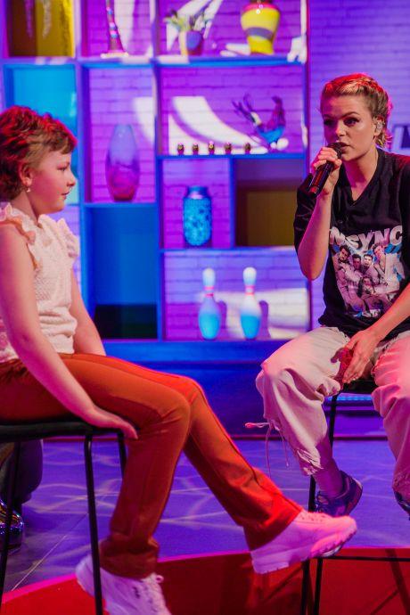 Droom van ernstig zieke Sophie (8) komt uit: 'Door dit soort momenten vervagen de slechte dingen een beetje'