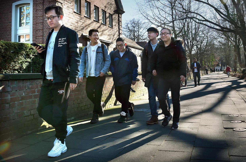 Aan de Duisburgse universiteit staan veel studenten uit China ingeschreven.  Beeld Marcel van den Bergh / de Volkskrant