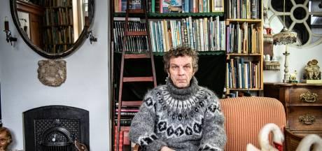 Jan Willem: 'Ik gebruik nog mijn vaste telefoonlijn, het toestel staat hier al vijftig jaar'