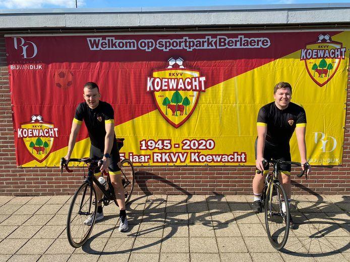 Jeffrey Kox en Jens Vaerewijck koewacht voetbal wielrennen
